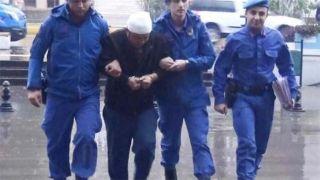 Antalya'da Sevgilisiyle Uyuşturucu Satıcısını Çıplak Yakaladı, Satır Kullandı: 2 Yaralı